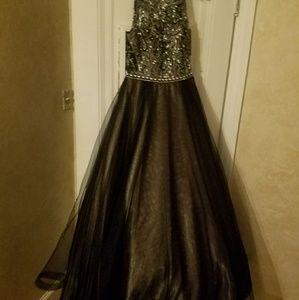Dresses - Evening gown/ dress
